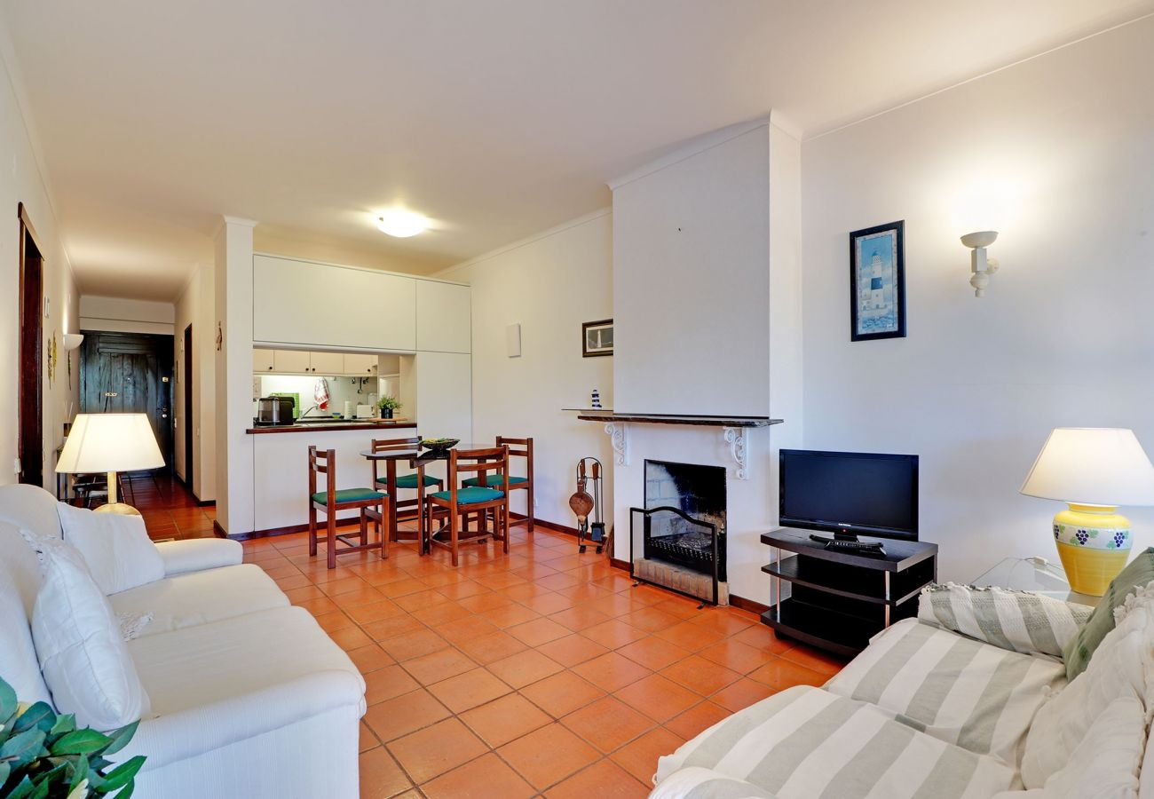 Apartamento em Albufeira - ALBUFEIRA TYPICAL WITH POOL by HOMING