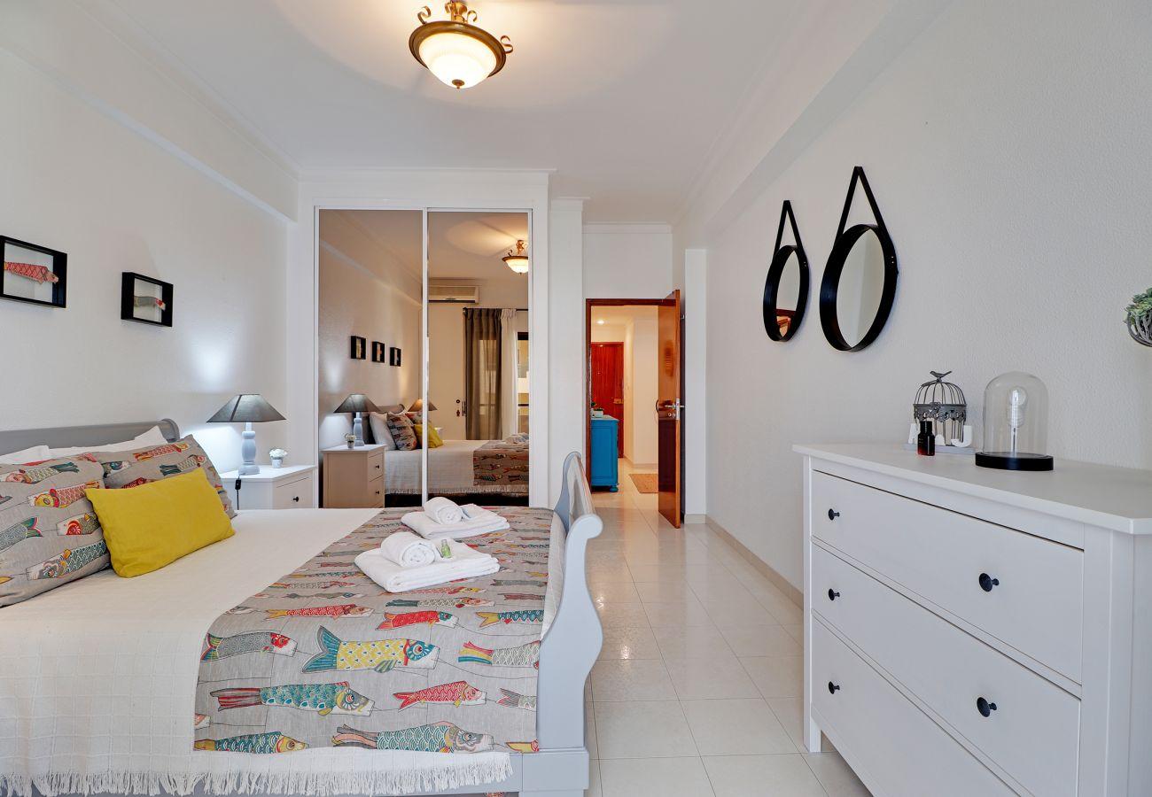 Apartamento em Porches - ARMAÇÃO DE PERA WITH POOL by HOMING
