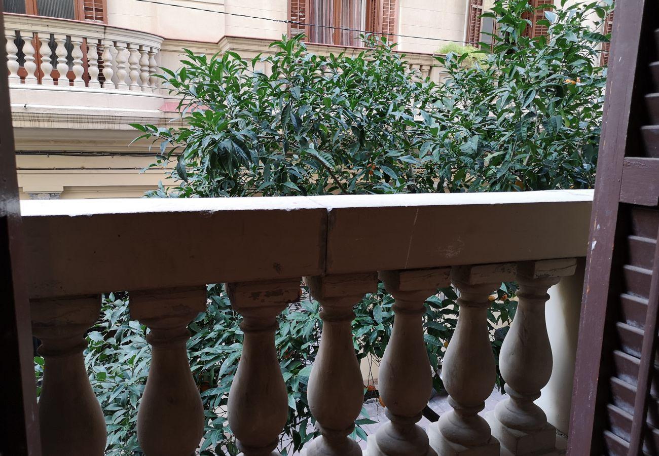 Apartamento em Barcelona - GRACIA boho chic, balcony, trees