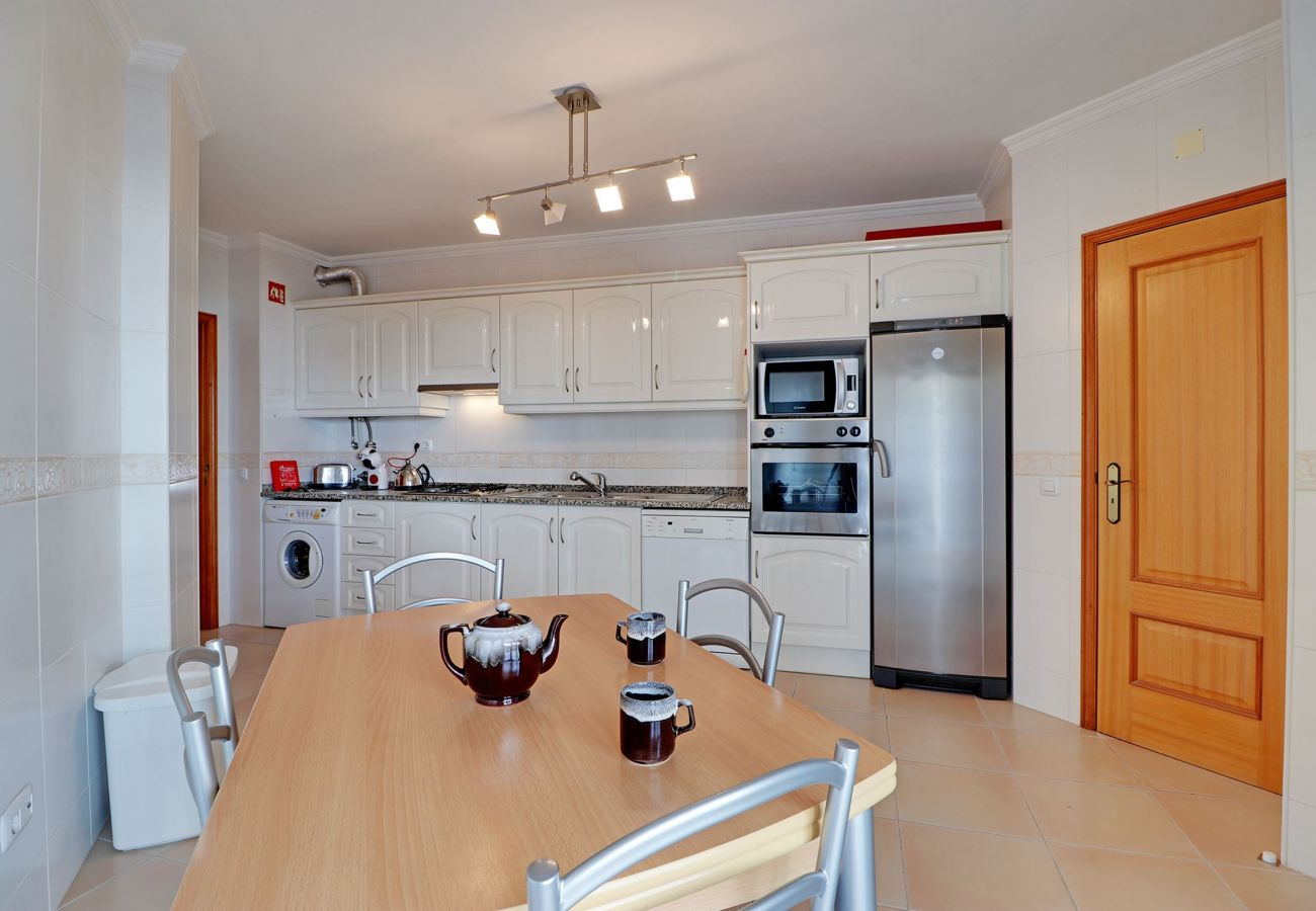 Apartamento em Quarteira - QUARTEIRA CENTRAL APARTMENT by HOMING