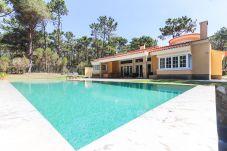 Villa em Colares - SINTRA NATURE VILLA W/ POOL by HOMING