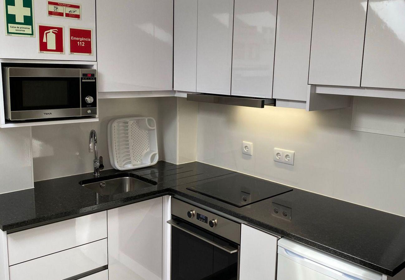 Apartamento em Porto - DOWNTOWN LIBERTY APARTMENT III by HOMING