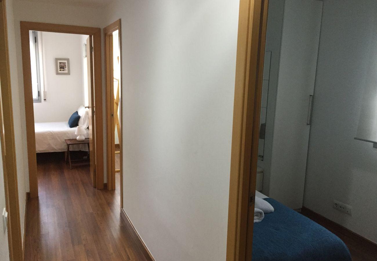 Apartment in Hospitalet de Llobregat - LA FIRA, large, stylish, 4 bedrooms