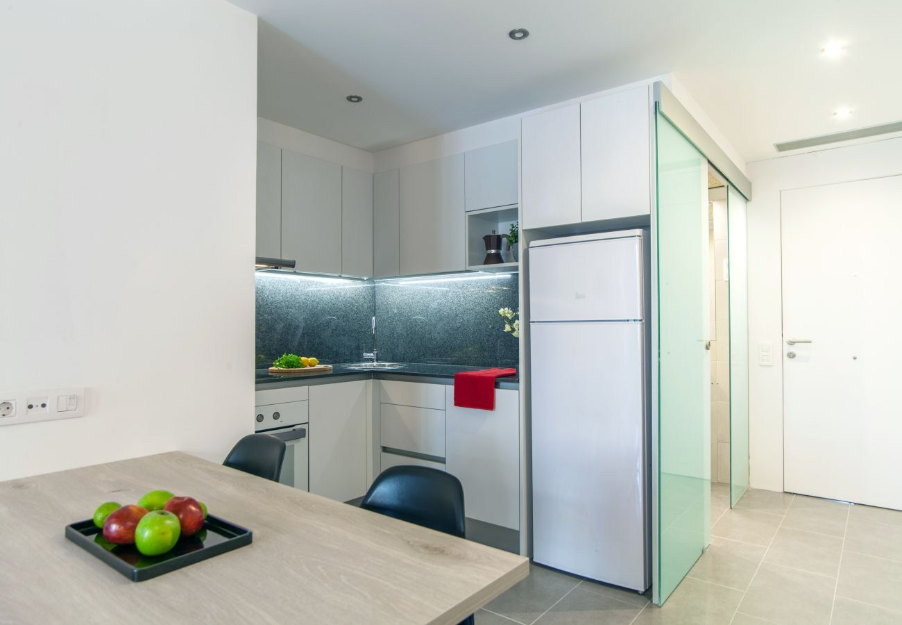 Apartment in Barcelona - DELUXE, central, city views, balcony