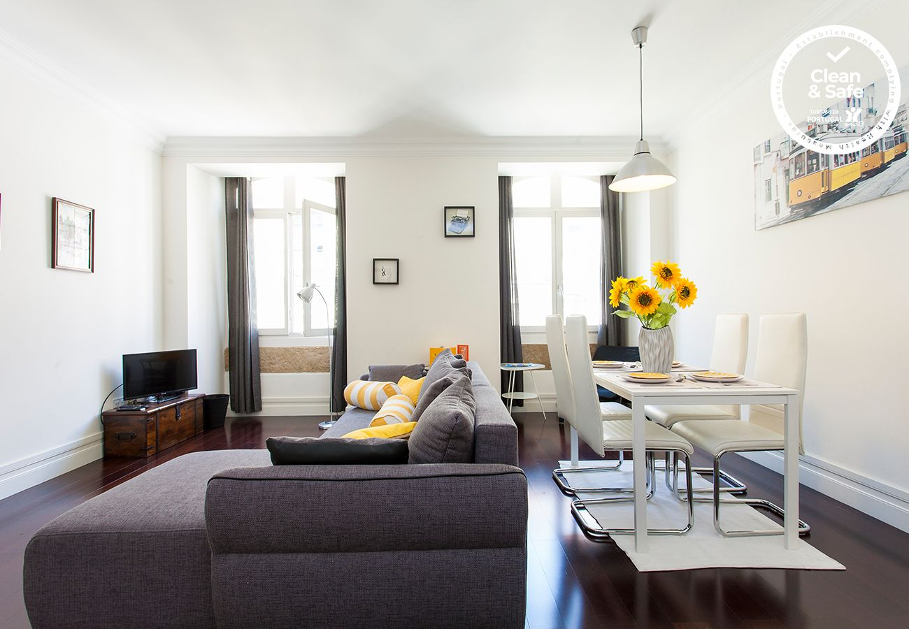 Apartment in Lisbon - DOWNTOWN MADALENA by HOMING