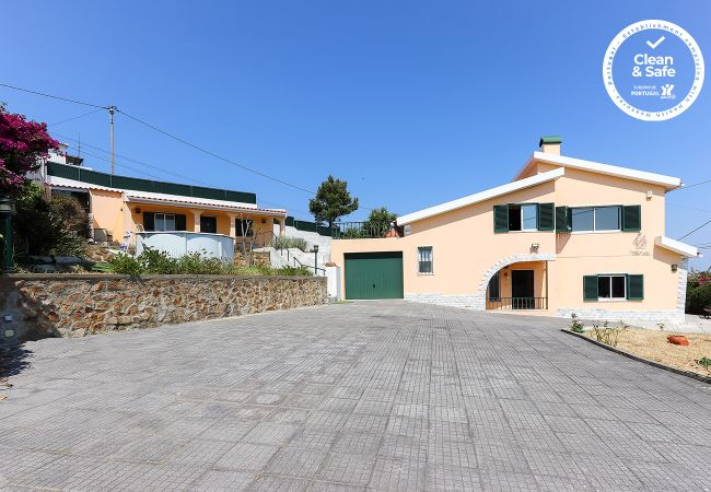 Villa/Dettached house in Cascais - SANTA MARIA VILLA WITH POOL by HOMING
