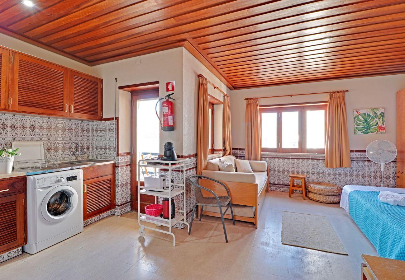 Studio in Monte Gordo - MONTE GORDO BEACHVIEW I by HOMING