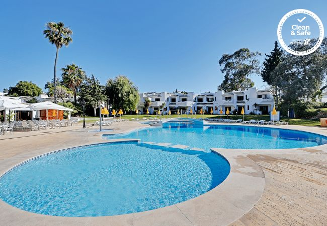 in Albufeira - ALBUFEIRA VILLAGE WITH POOL by HOMING