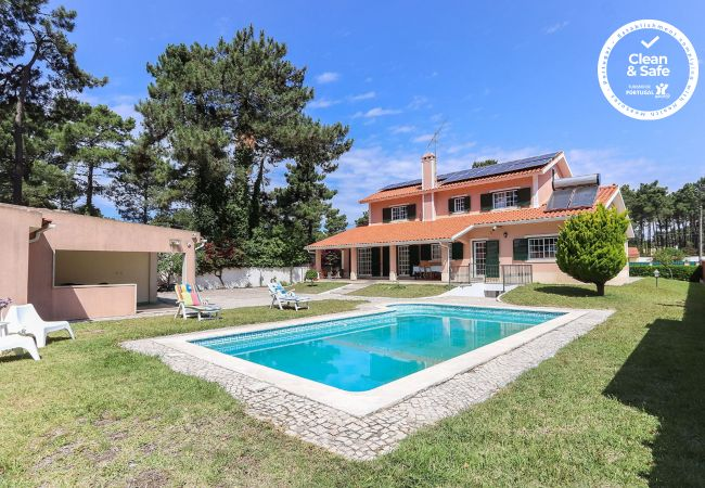 Villa/Dettached house in Verdizela - CAPARICA BEACH VILLA by HOMING