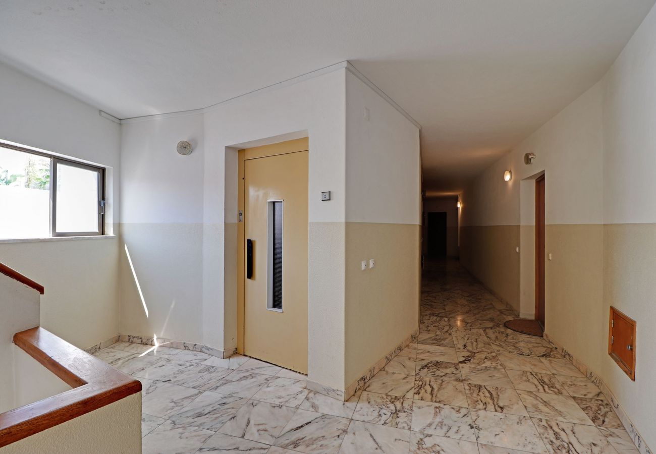 Apartment in Lagos - LAGOS DOWNTOWN by HOMING
