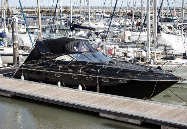 in Lisboa - LIFESTYLE YACHT by HOMING