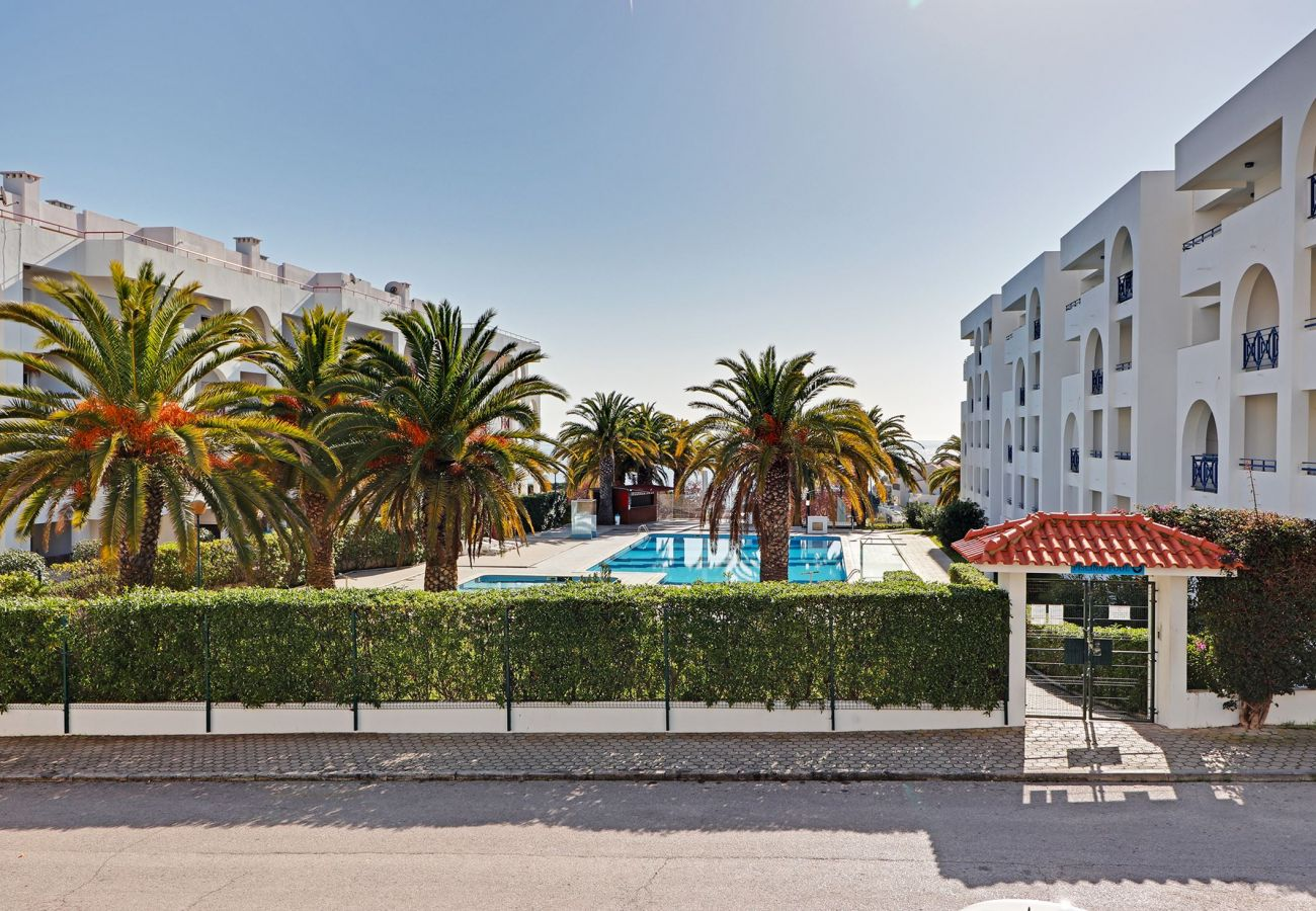 Apartment in Porches - ARMAÇÃO DE PERA WITH POOL by HOMING
