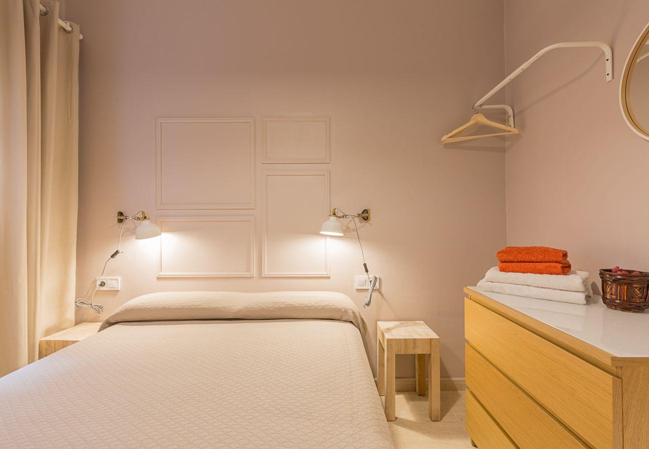piso plaza españa dormitorio doble con balcon interior