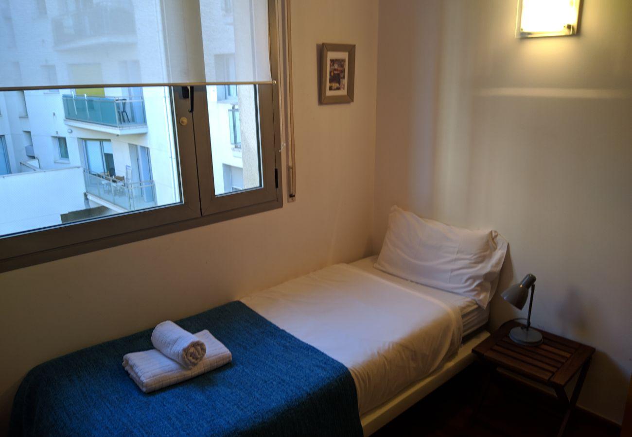 Apartamento en Hospitalet de Llobregat - LA FIRA, large, stylish, 4 bedrooms