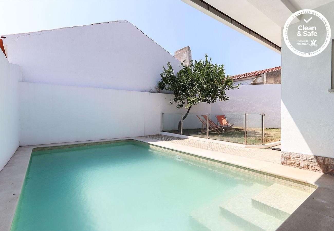 Villa en Parede - PAREDE VILLA WITH POOL by HOMING