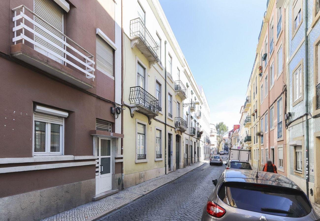 Graça Terrace w/ Jacuzzi by Homing