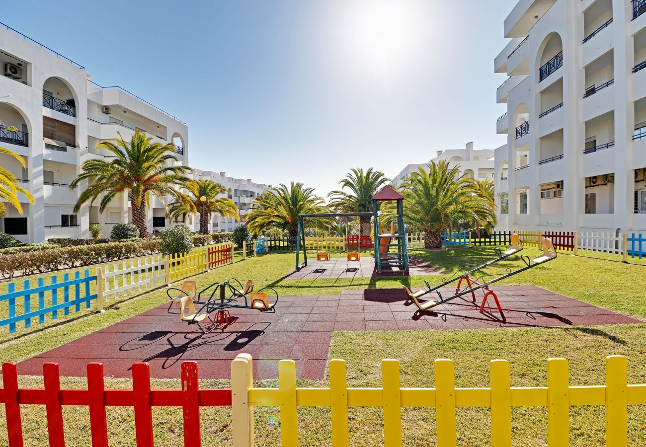 Apartamento en Porches - ARMAÇÃO DE PERA WITH POOL by HOMING