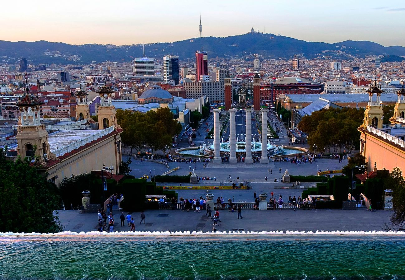 appartement sûr et central à Barcelone à côté de la Plaza España et de tous les transports publics.