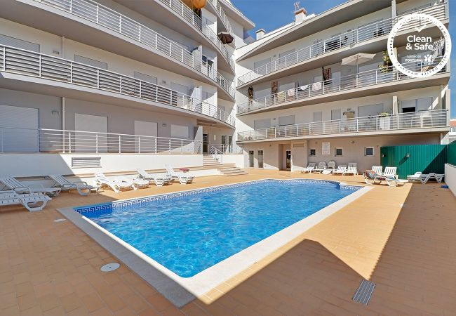 à Albufeira - ALBUFEIRA SUN HOUSE WITH POOL by HOMING